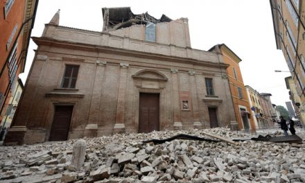 Luca Carboni nel concerto di Carpi ad un anno da Italia Loves Emilia?